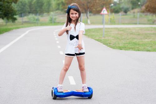 bambina hoverboard